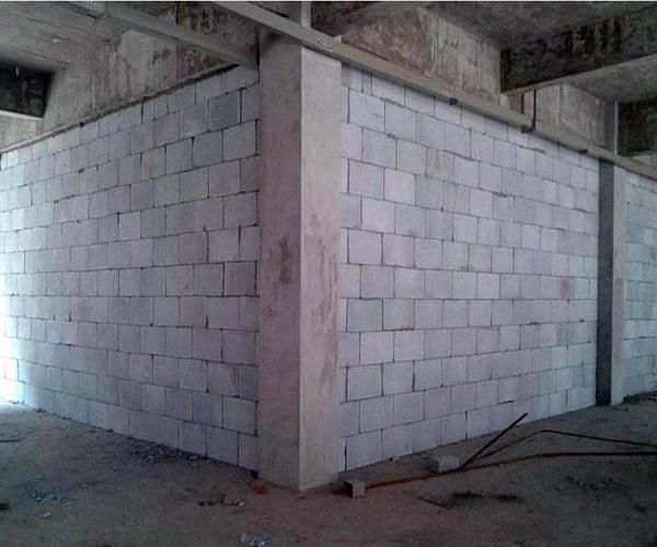 装修垒墙怎么收费