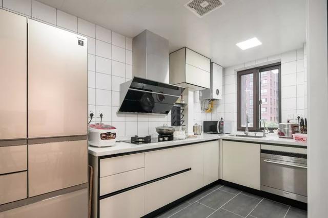 现代北欧风厨房装修效果图