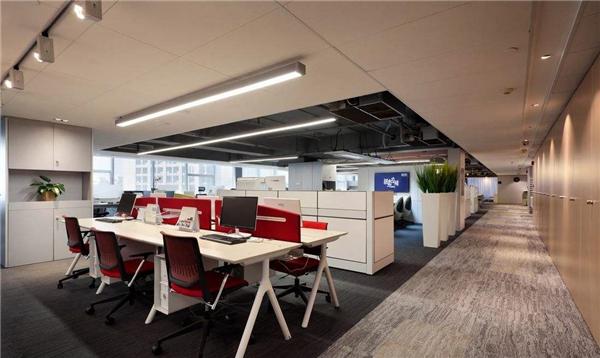 半包装修价格:500-800元/平方米 1,传统型办公室装修设计案例 传统型