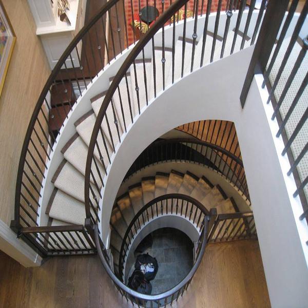 旋转楼梯一般多宽