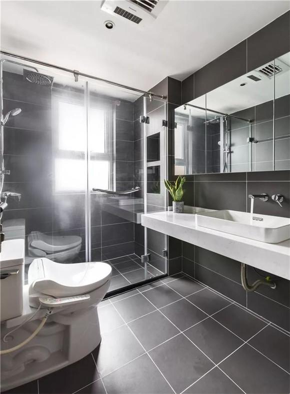140平米三室两厅卫生间装修