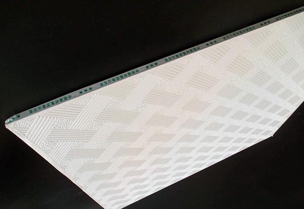 石膏板吊�每平米人工�M