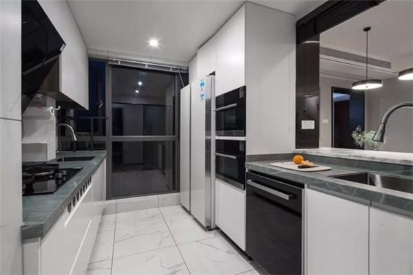 128平三居室装修厨房效果图