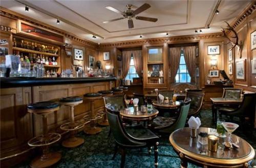 抚顺酒吧装修设计之怀旧情调酒吧