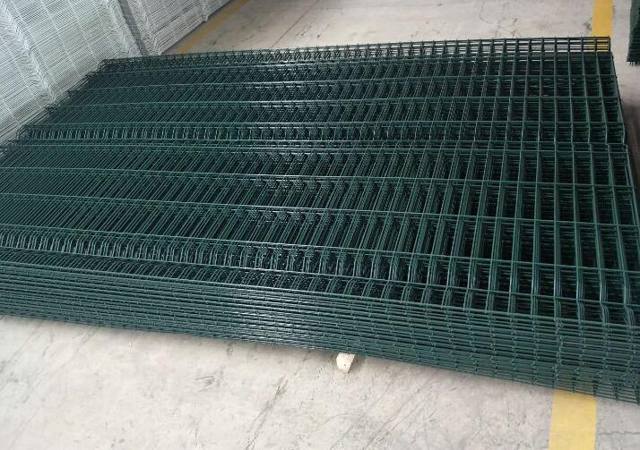 铁丝护栏网价格