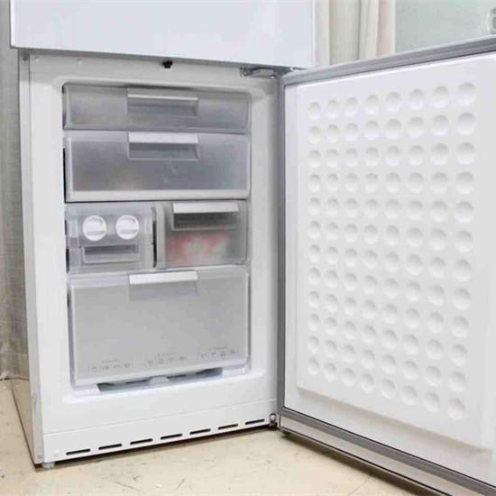 冰箱冷藏室�Y冰