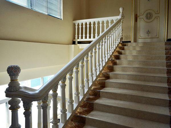 楼梯栏杆多少钱