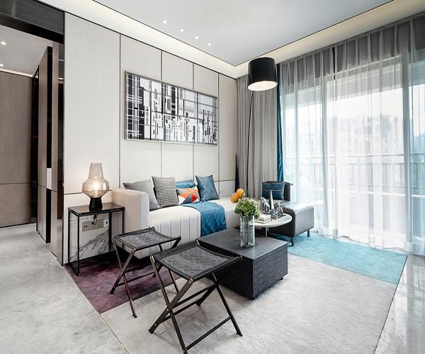 130平欧式客厅装修效果图
