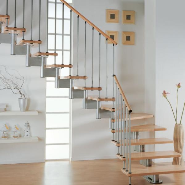 鋼木樓梯和實木樓梯哪個好