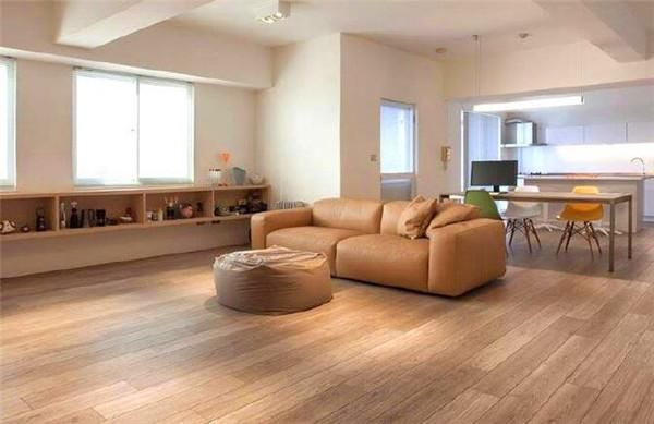 原木色地板配什么颜色家具