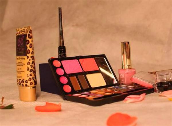 过期化妆品是什么垃圾