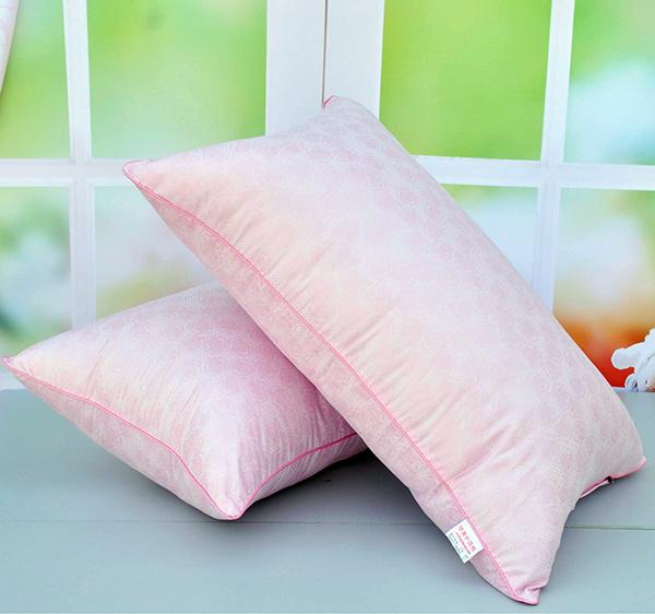 枕枕头的正确方法