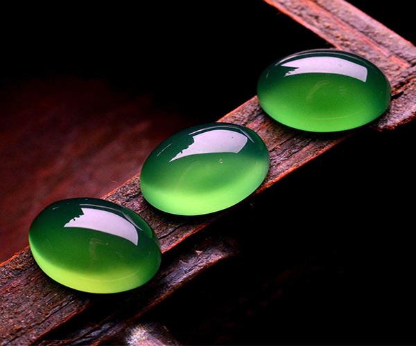 绿玉髓是什么材质