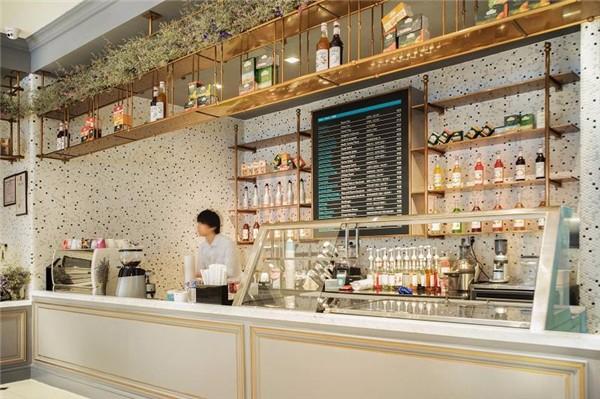 40平米奶茶店装修案例图