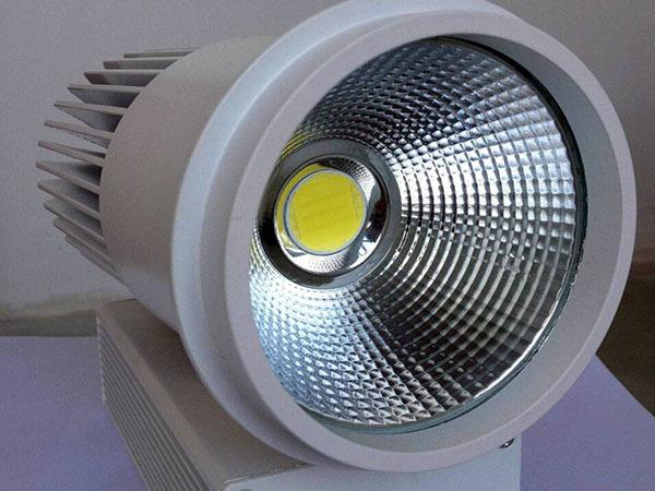 cob射燈能代替筒燈嗎