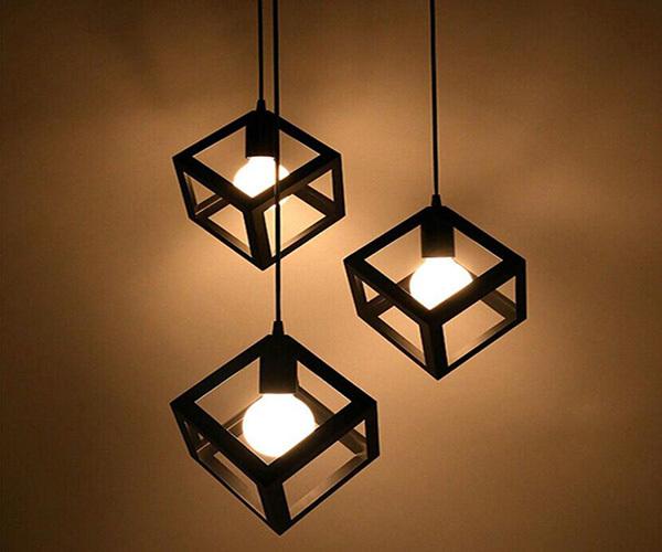 吊灯与桌面的垂直距离