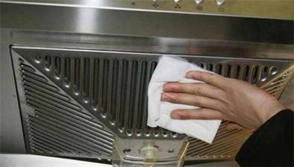厨房抽油烟机重度油污清洗妙招