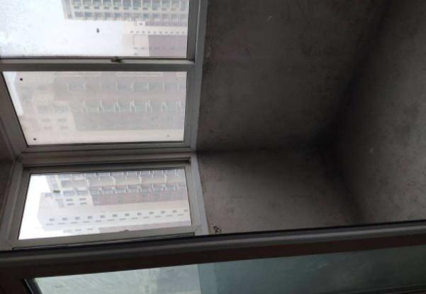 阳台漏水物业管吗