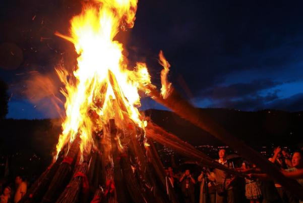 火把节举行什么仪式