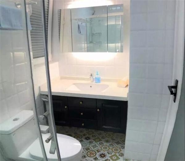 西安老房子卫生间翻新装修