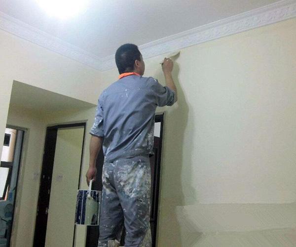墙面翻新用什么材料环保
