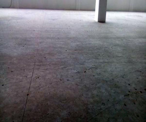 水泥地面起砂.jpg