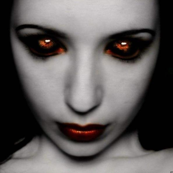 女人梦见鬼是什么意思
