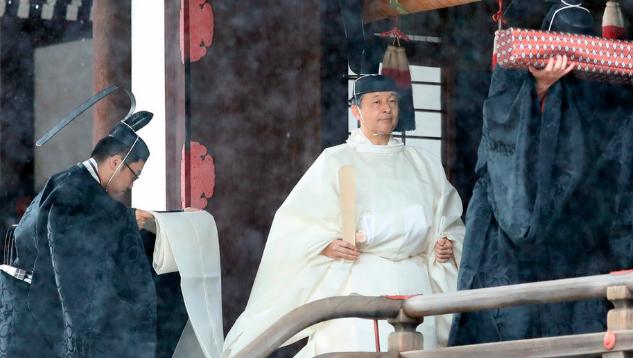 日本新天皇即位
