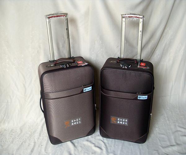 24寸和26寸行李箱对比