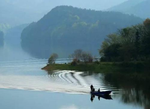 诸暨十大必游景点之东白湖