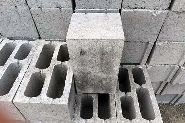 水泥砖和红砖哪个好