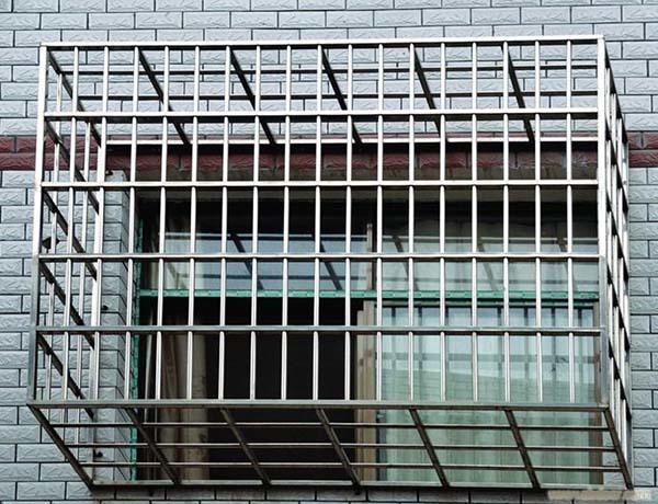 一楼防盗窗用哪种安全