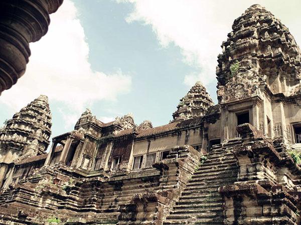 华人在柬埔寨危险吗