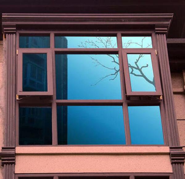 窗户贴膜怎么撕下来