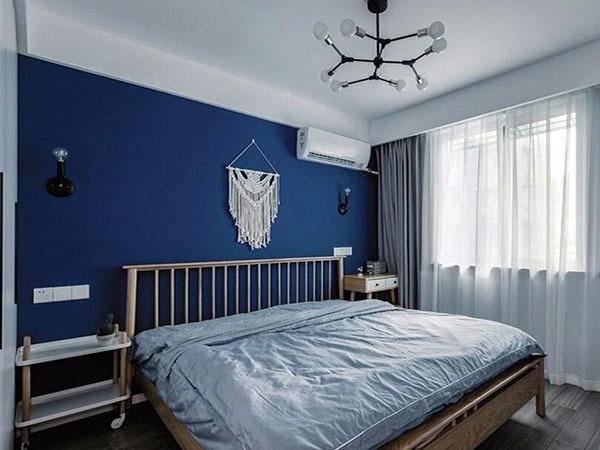 深藍色和什么顏色最搭