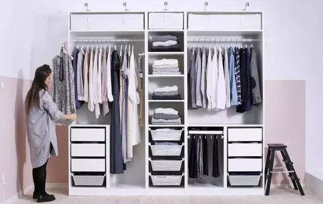 衣柜是定制好還是木工做好