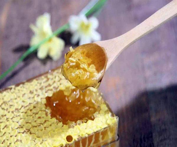 蜂王浆的作用与功效及禁忌人群