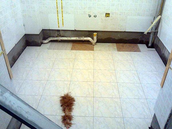 地面有瓷磚怎么做防水