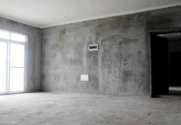 毛坯房墙面掉沙能贴瓷砖吗