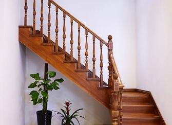 橡木楼梯设计要点以及保养技巧分享