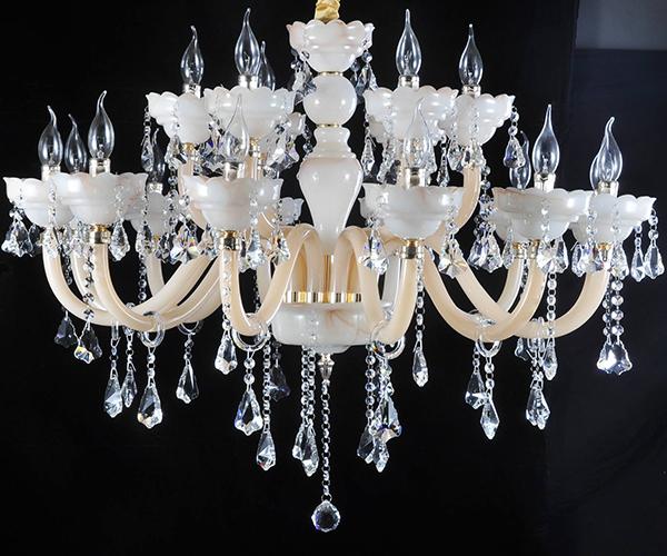 客厅能不能用水晶灯 如何进行选择
