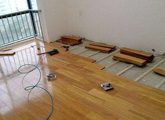 铺地板的注意事项有哪些 以及铺地板的好处