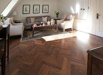 地板打蜡的优点有哪些 地板打蜡的注意事项