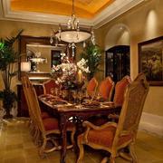 法式华贵型餐桌图片