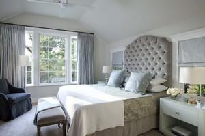 简约白色卧室