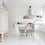白色简约现代小厨房