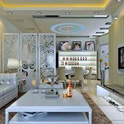 现代精美客厅隔断装修效果图