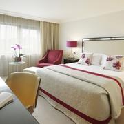 现代法式烂漫型卧室