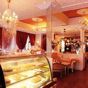 粉色浪漫型蛋糕店