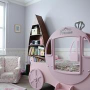 粉色卡通车儿童床
